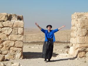 Shir'el at the gates of the city - Tel Arad.